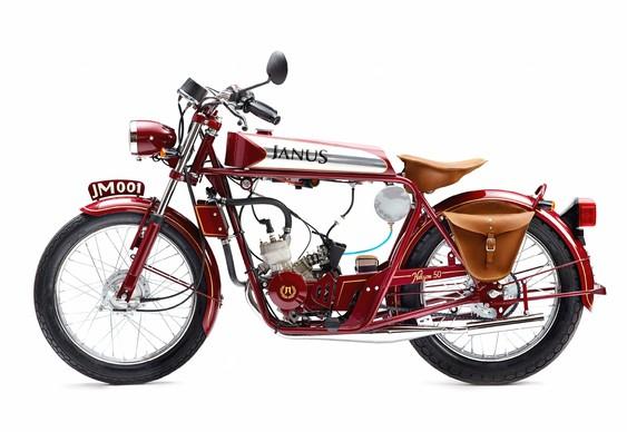 Moto retrô feita à mão