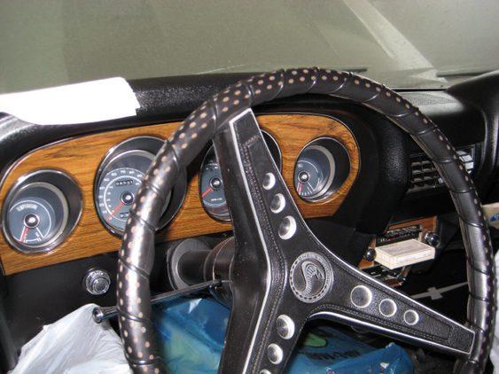 Volante e painel de Mustang Shelby