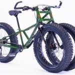 Nova bicicleta off-road com três rodas sobe até em escadas