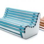 Sofá para sala com estampa inspirada em banco de praça
