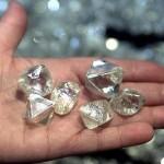 Mineração de diamantes e metais preciosos em praias e fundo do mar