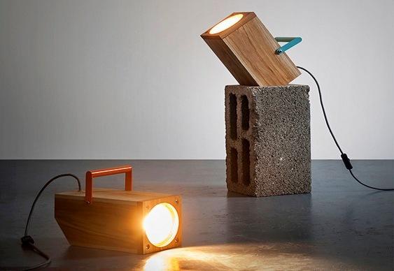 Inspirada em lanterna e spot