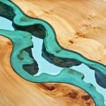 Tampos de madeira para mesas com rios e lagos de vidro