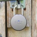 Cadeado sem chave ou segredo abre a tranca por sinal de celular