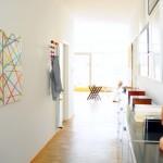 Cadeira de armar pode ficar pendurada como um quadro na parede