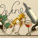 Suportes de parede para garrafas de vinho em metal retorcido