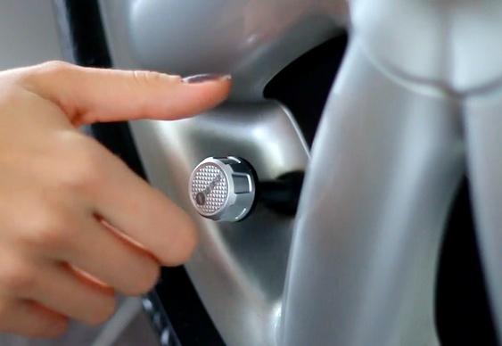 Controle da pressão dos pneus por Bluetooth