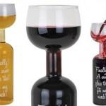 Taça acoplada a gargalo de garrafa de vinho para pinguços