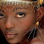 A sofisticada joalheria nupcial para as mulheres africanas