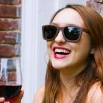 Óculos de sol feitos com o carvalho dos barris de vinho