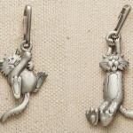 Gatinhos travessos como puxadores de zíper fundidos em pewter