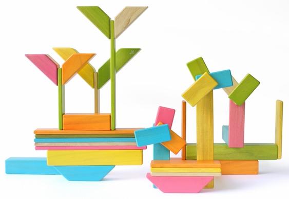 Brinquedo feito em parceria com escola