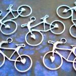 Bijuteria de bicicleta para usar como pulseira, brincos ou colar