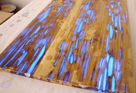 Resina disfarça imperfeições da madeira