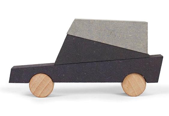 Carrinho de madeira e MDF