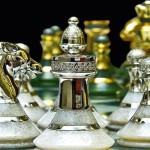 Jogos de xadrez de alto luxo com peças de ouro e diamantes