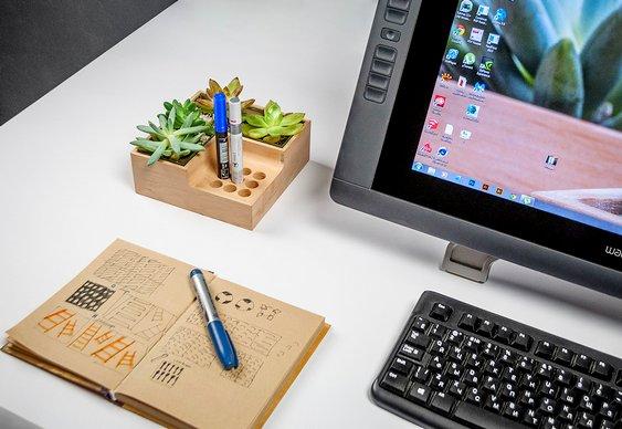 Enfeite para mesa de computador