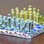 O menor mas também o mais caro jogo de xadrez do mundo