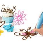Uma caneta que escreve e desenha com chocolate como tinta