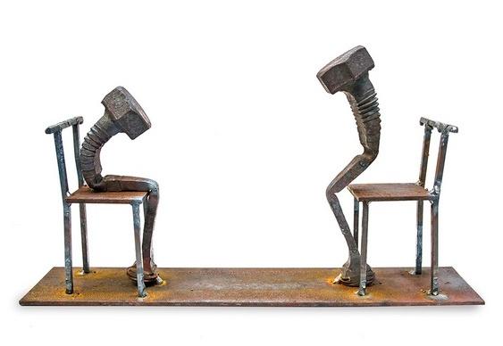 Parafusos em cadeiras