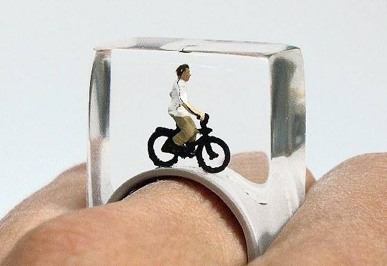 Anel com bicicleta