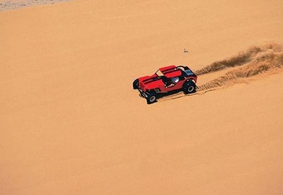 Passeio de buggy nas dunas