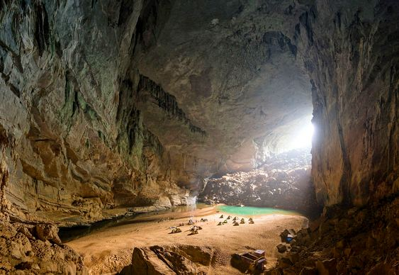 Acampamento em caverna