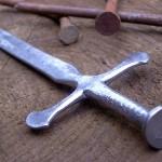 Como fazer miniatura de espada medieval só com dois pregos