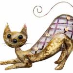 Gato prepara o bote em painel rústico de metal para paredes