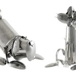 Cães e gatos montados com talheres e utensílios de aço inox