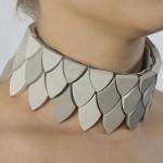 Joias e bijuterias articuladas usam cimento como matéria-prima