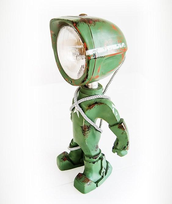 Abajur-robô