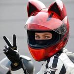 Capacete de moto com orelhas para pilotagem de mulher gata