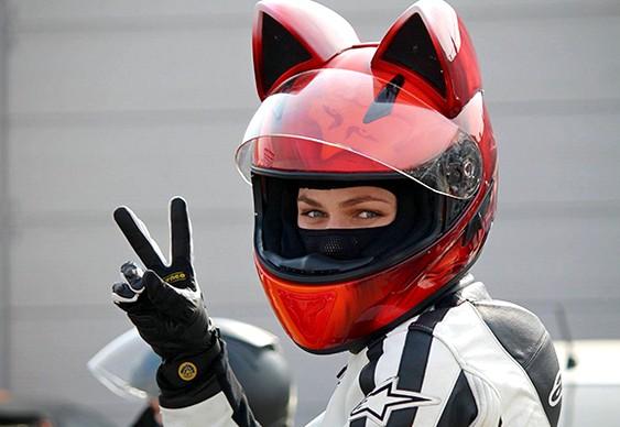 Gatinha motoqueira