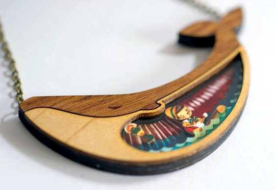 Bijuteria artesanal de madeira