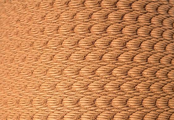 Vasos com texturas geométricas
