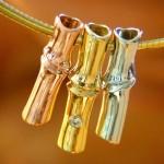 Bambu inspira pingente deslumbrante de ouro com diamante