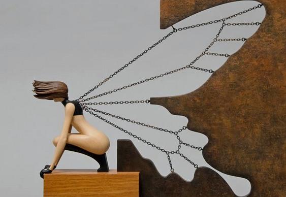 Fadinha com asas de borboleta