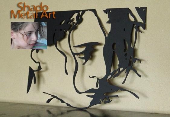 Retrato de menina em chapa de aço