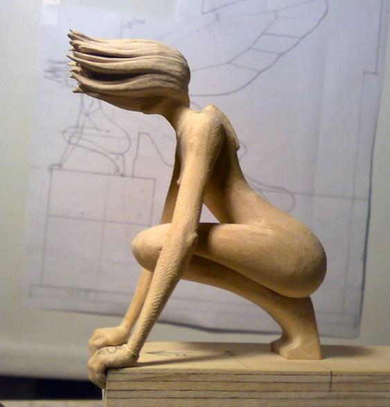 Escultura feminina