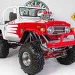 Reforma e customização espetaculares de jipe Toyota antigo