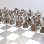 Jogo de xadrez completo feito com chapas de aço inoxidável