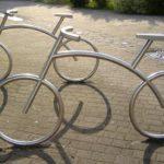 Bicicletário para quatro bikes montado com tubos de aço inox