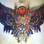 Tatuagens de corujas inspiram luminárias de aço para paredes