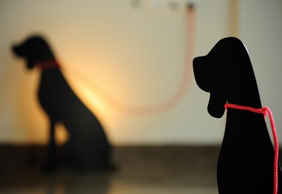 Iluminação com silhueta de cãozinho