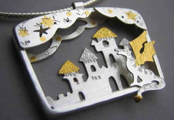 Joia com design medieval
