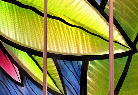 Painel com folhas holográficas