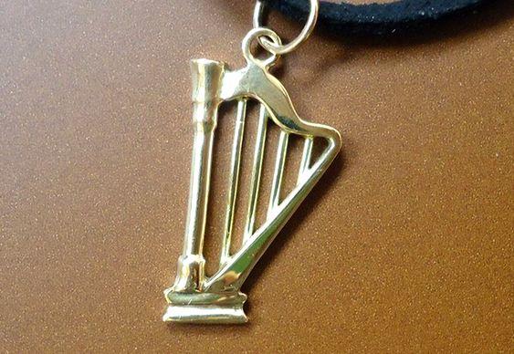Réplica de harpa de prata