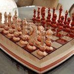 Jogo de xadrez com design inovador nas peças e tabuleiro