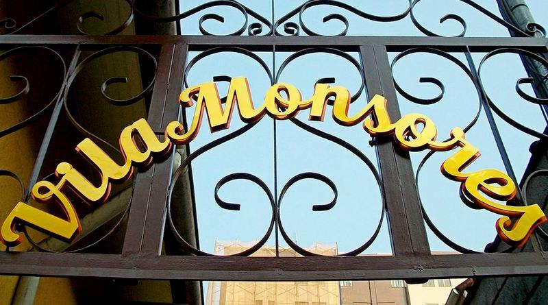 Making-of: letreiro dourado Vila Monsores em Petrópolis